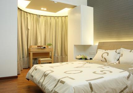 卧室床方位的风水摆设